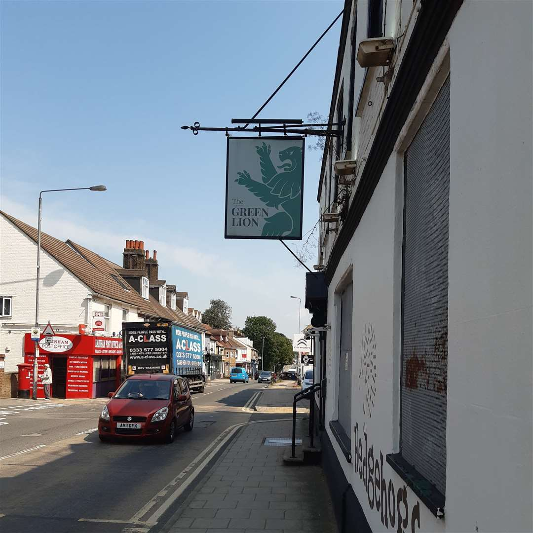 The former Green Lion pub in Rainham is once again up for let after Hedgehogs nursery pulled out